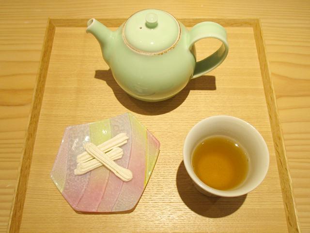 【期間限定】茶菓セット ゆきどけ 500円(税込)